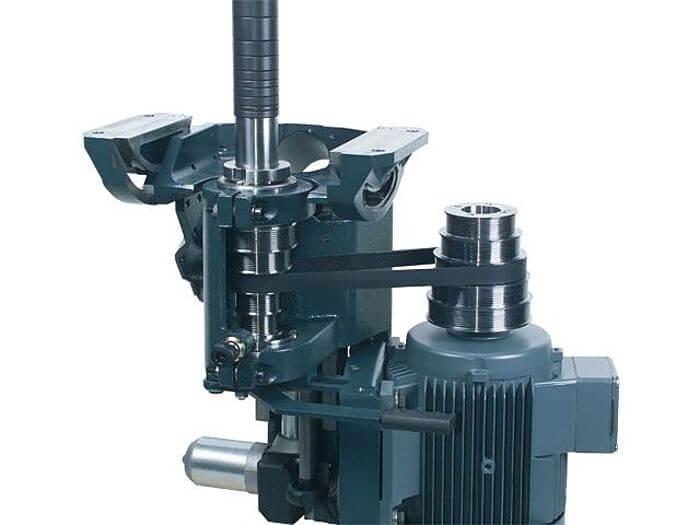Fraesaggregat Fraesmaschine Felder 900.jpg