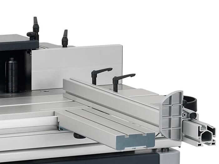 Tischgroesse Felder Fraesmaschine.jpg