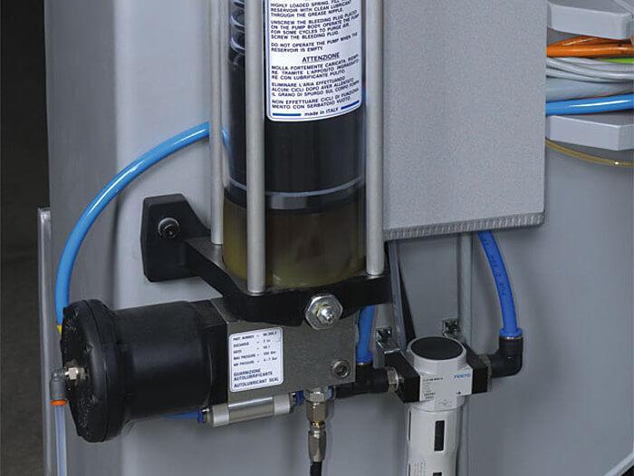 Zentralschmierung automatisch profit H500 Format 4 CNC Bearbeitungszentrum Format 4.jpg