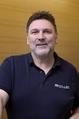 Franz Mendler ist Verkäufer im Außendienst bei der Firma Miller in Aichstetten und berät Kunden vor Ort über die besten Maschinen und Werkzeuge der Holzverarbeitung.