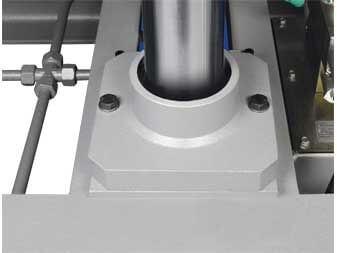 Felder Heizplattenpresse HPV zylinderfuehrung.jpg